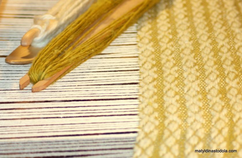 ručně tkaný koberec, materiál vlna valaška